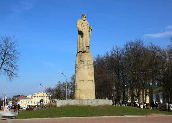 Прогулки по Костроме: город памятников, кино и сказок - фото 2