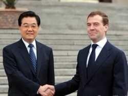 Медведев и Путин продали Сибирь и Дальний Восток Китаю