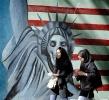 Иран прекратил экспортные поставки нефти британским и французским компаниям.