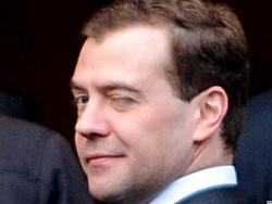 Медведев признался: в кипрских оффшорах «крутились» государственные деньги