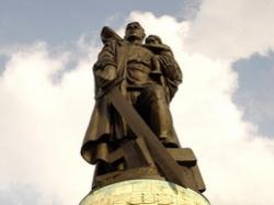 Западная клевета на советского солдата