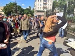 В Киеве совершено нападение на Посольство Российской Федерации