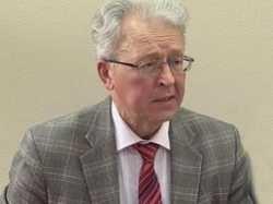 Валентин Катасонов: «Россия оказалась между молотом и наковальней»
