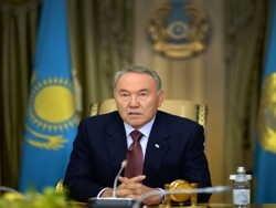 Назарбаев перевёл все вклады населения в валюту