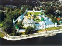 Прогулки по Костроме: город памятников, кино и сказок