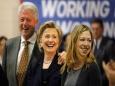 USA Today: Клинтоны, вы причинили уже достаточно вреда
