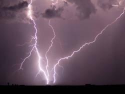 На севере Германии объявлен режим ЧП из-за урагана