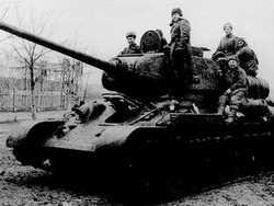 Как два героя-танкиста 12 дней отбивались от фашистов