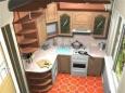 Как обустроить и украсить маленькую кухню
