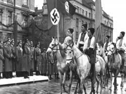 Почему Канада защищает украинский нацизм?