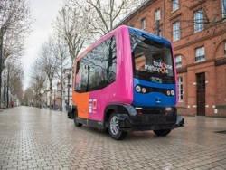 По Берлину начали курсировать беспилотные автобусы