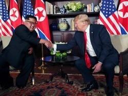 Трамп и Ким Чен Ын встретились
