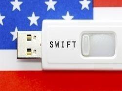 Российские компании начали массово выходить из SWIFT