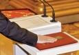 В Конституции России закреплён пенсионный возраст