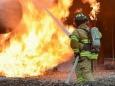 Огонь уничтожает португальский курорт Алгарве