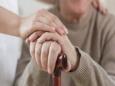 Как пение влияет на страдающих болезнью Паркинсона