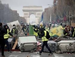Кого возбудила бунтующая Франция