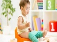 Как приучить малыша к горшку: советы и правила