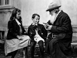 Лев Толстой о правильном воспитании детей
