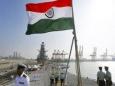 Индия быстро строит свой авианосец
