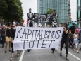 Запад выступает против капитализма