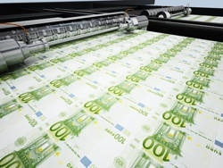 Европу зальют пустыми деньгами
