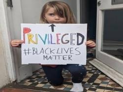 Белые дети не заслуживают безмятежного детства?