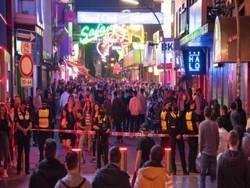 Хаос на улицах Гамбурга: молодым людям надоели правила