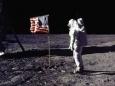 Кто считает что посадка американцев на Луну в США была мистификацией