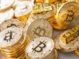 Молодые люди покупают биткоин, а их родители - золото