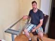 Опасная мебель: столы Ikea взрываются от жары?