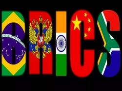 Россия призвала БРИКС отказаться от доллара