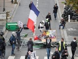 На очередной акции «желтых жилетов» в Париже задержаны свыше 250 человек
