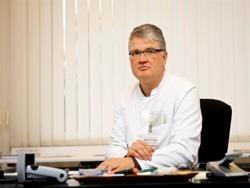 Немецкий пульмонолог: Мы должны позволить людям болеть коронавирусом