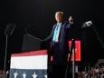 Трамп пообещал навсегда покончить с зависимостью экономики США от КНР