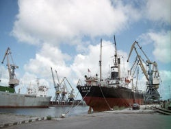 Лукашенко намерен пустить прибалтийские порты на дно
