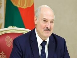 Лукашенко заявил о выдаче Тихановской $15 тыс. из бюджета
