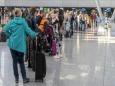 Длинные очереди в аэропортах: немцы убегают от карантина