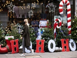 Джонсон запретил миллионам англичан собираться на Рождество