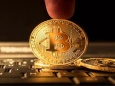 Во время падения крупные инвесторы скупили Bitcoin