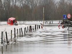 Запад Германии страдает от сильных наводнений