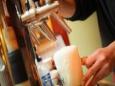 Немецкие пивовары спускают пиво в канализацию