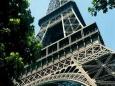 Алжирский журналист требует от Франции вернуть Эйфелеву башню Алжиру