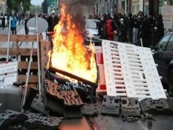 Массовые беспорядки и горящие баррикады в Лейпциге