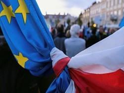 Европе грозит раскол из-за советского прошлого Польши