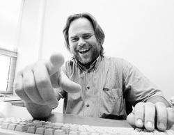 Касперский: Сотрудников многих компаний в будущем отключат от Интернета