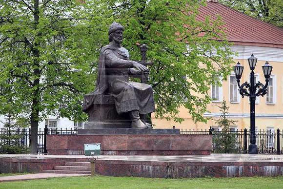 Прогулки по Костроме: город памятников, кино и сказок - фото 3